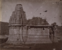 Side view of an unnamed small temple, Chittaurgarh [Chitorgarh]